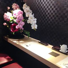 和食店 寿司屋 カウンター 造花 アートフラワー