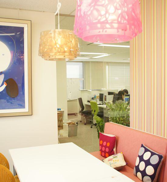 アートフラワー 造花 テンナイン 会議室