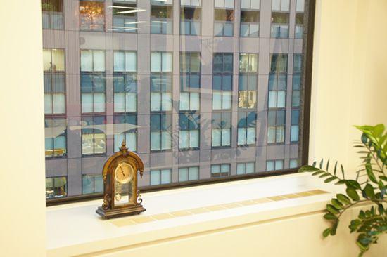 アートフラワー 造花 窓際 会議室