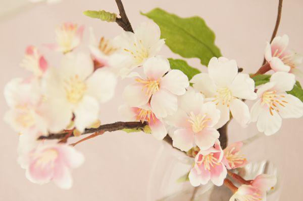 小さなスペースに置ける 人工水 桜の枝