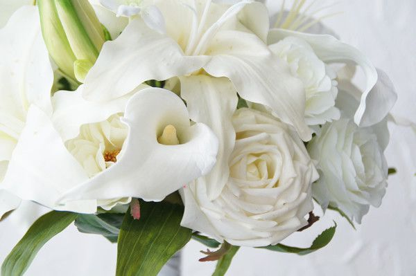 ブーケ ウェディング 造花 純白 カサブランカ